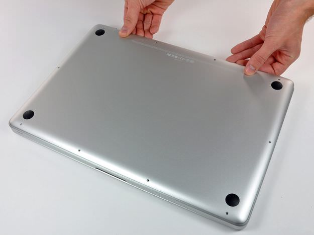 MacBook Pro Mid 2009 and later remove lower case